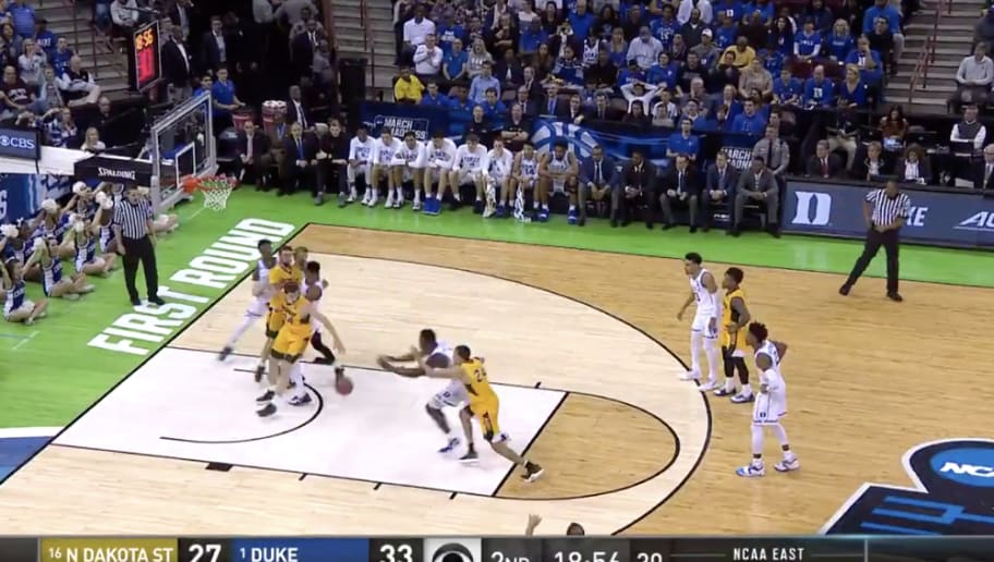 ddb4e406741b VIDEO  Zion Williamson Throws Down Thunderous Jam Off His Own Missed Free  Throw
