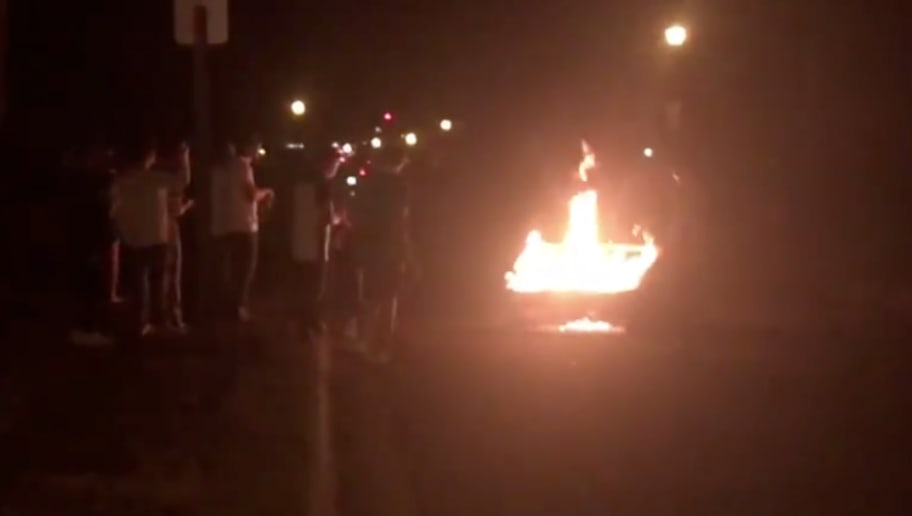 Enjoyable Video Michigan State Fans Burn Couch In East Lansing After Andrewgaddart Wooden Chair Designs For Living Room Andrewgaddartcom