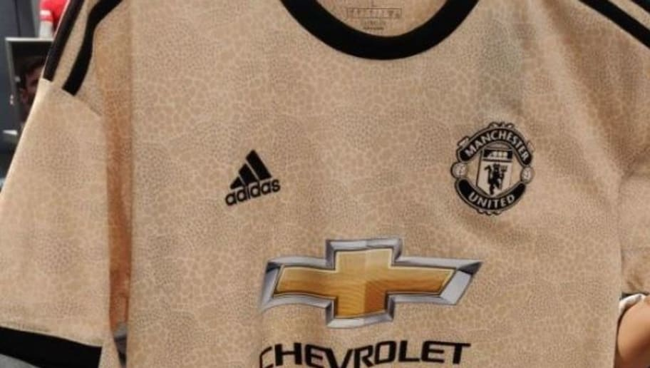 cheap for discount ebe86 0ed74 Manchester United Fans React Globally as New 'Snake-skin ...