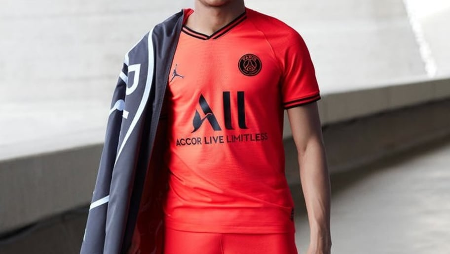 new style 9bc08 07e0f Paris Saint-Germain Partner With Jordan as They Unveil ...