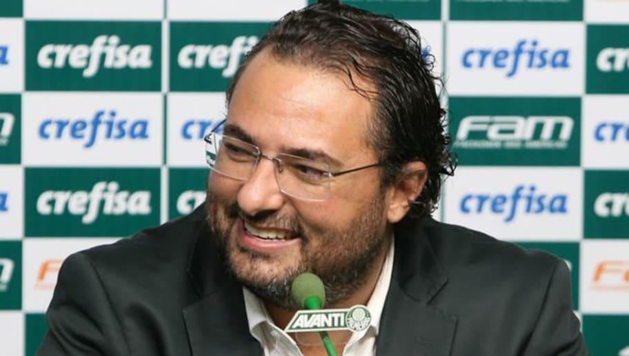 Palmeiras procura empresário para fechar com meio-campo que esteve na mira do Flamengo