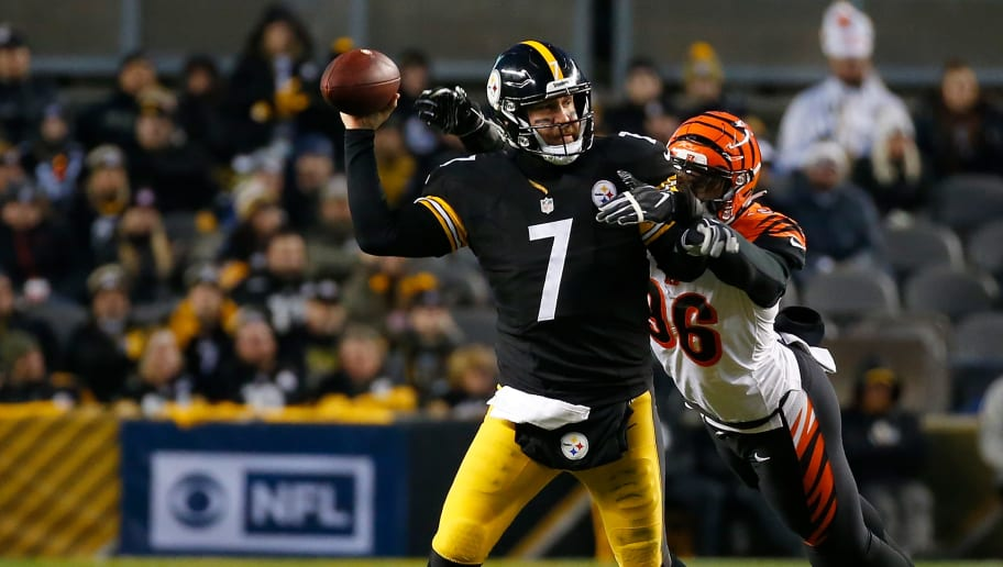 PITTSBURGH, PA - DECEMBER 30: Ben Roethlisberger #7 of the Pittsburgh Steelers is hit as he throws by Shawn Williams #36 of the Cincinnati Bengals in the first half during the game at Heinz Field on December 30, 2018 in Pittsburgh, Pennsylvania. (Photo by Justin K. Aller/Getty Images)