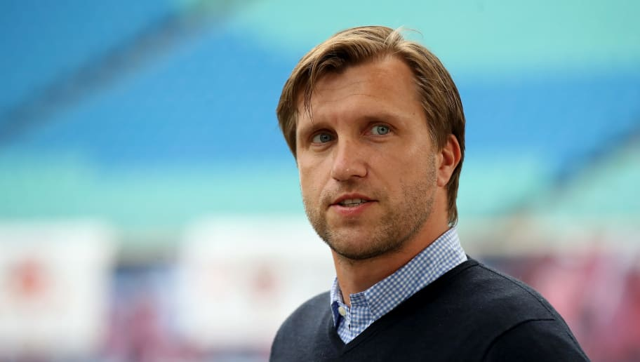 Markus Krösche gibt sich bei den Spurs-Gerüchten entspannt