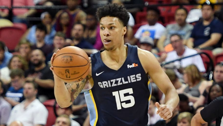LAS VEGAS, NEVADA - JULY 14:  Brandon Clarke #15 of the Memphis Grizzlies brings the ball up the court against the New Orleans Pelicans during a semifinal game of the 2019 NBA Summer League at the Thomas & Mack Center on July 14, 2019 in Las Vegas, Nevada. The Grizzlies defeated the Pelicans 88-86 in overtime. NOTE TO USER: User expressly acknowledges and agrees that, by downloading and or using this photograph, User is consenting to the terms and conditions of the Getty Images License Agreement.  (Photo by Ethan Miller/Getty Images)