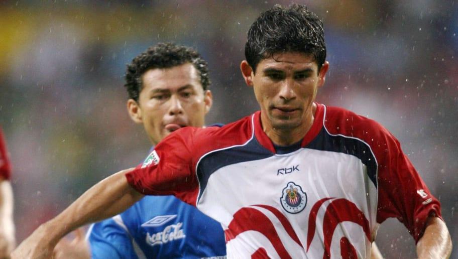 Miguel Sabah (I) de Cruz Azul, disputa e