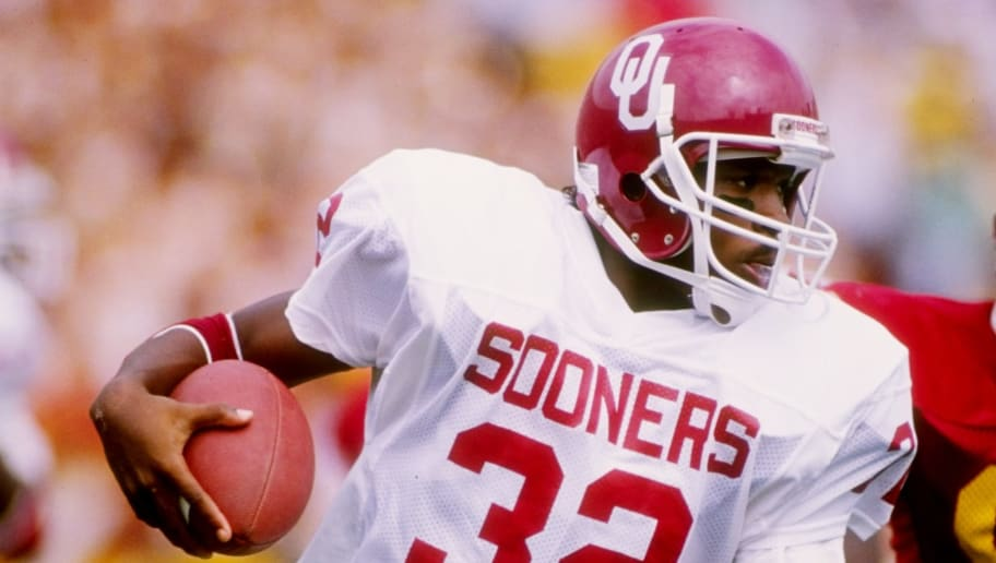 24 Sep 1988:  Running back Mike Gaddis of the Oklahoma Sooners runs down the field during a game against the Southern California Trojans at the Los Angeles Memorial Coliseum in Los Angeles, California.  Southern California won the game 23-7. Mandatory Credit: Tim de Frisco  /Allsport