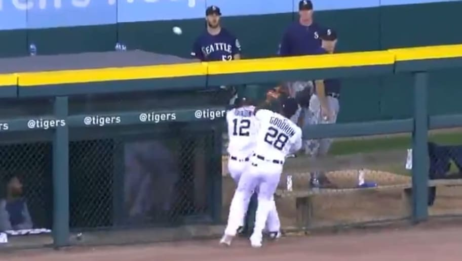 Kyle Seager hit his third homer against Tigers on Tuesday, thanks to an assist from outfield gloves.