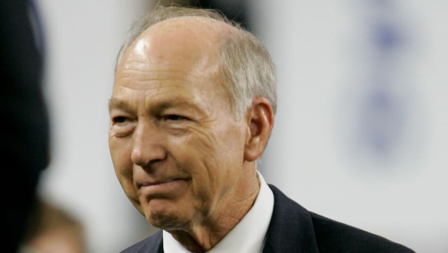 DETROIT - FEBRUARY 05:  Former Green Bay Packers quarterback and MVP of Super Bowl I & II Bart Starr is seen on the field as he is introduced prior to Super Bowl XL between the Seattle Seahawks and the Pittsburgh Steelers at Ford Field on February 5, 2006 in Detroit, Michigan.  (Photo by Brian Bahr/Getty Images)
