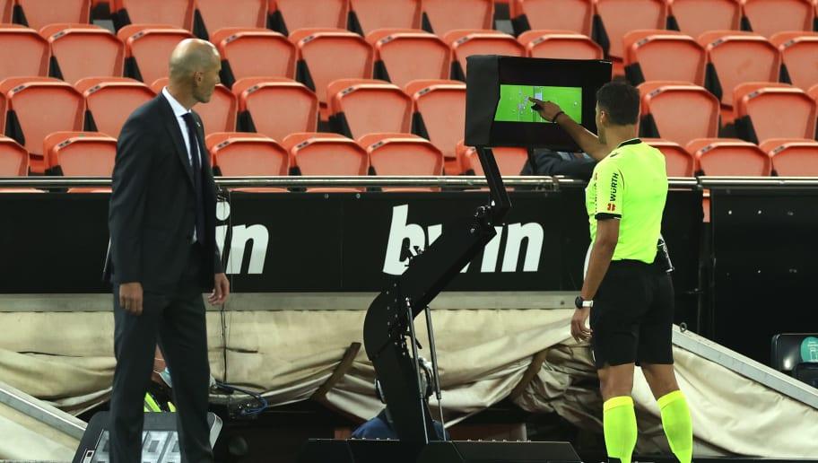 Jesus Gil Manzano, Zinedine Zidane