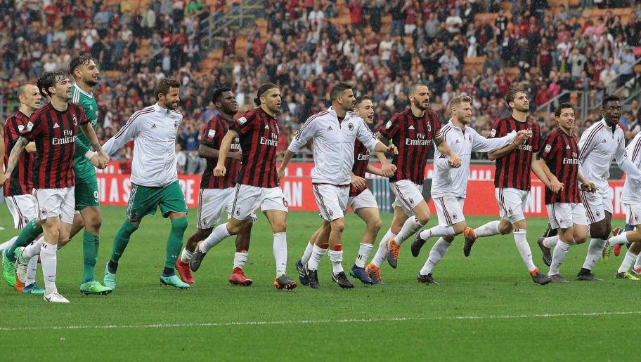 MILAN, ITALY - MAY 20:  AC Milan player celebrate the victory at the end of the serie A match between AC Milan and ACF Fiorentina at Stadio Giuseppe Meazza on May 20, 2018 in Milan, Italy.  (Photo by Emilio Andreoli/Getty Images)