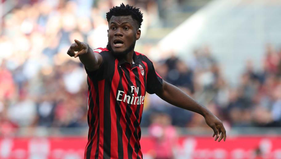 MILAN, ITALY - OCTOBER 07:  Franck Kessie of AC Milan gestures during the Serie A match between AC Milan and Chievo Verona at Stadio Giuseppe Meazza on October 7, 2018 in Milan, Italy.  (Photo by Marco Luzzani/Getty Images)