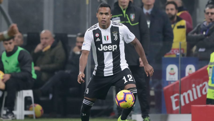 MILAN, ITALY - NOVEMBER 11: Alex Sandro of Juventus  during the Italian Serie A   match between AC Milan v Juventus at the San Siro on November 11, 2018 in Milan Italy (Photo by Jeroen Meuwsen/Soccrates/Getty Images)