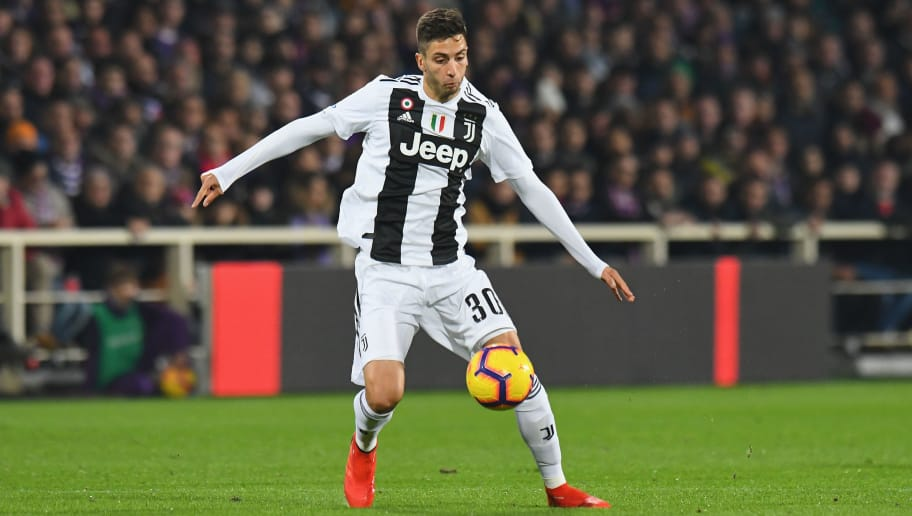 FLORENCE, ITALY - DECEMBER 01: Rodrigo Bentancur of Juventus in action during the Serie A match between ACF Fiorentina and Juventus at Stadio Artemio Franchi on December 1, 2018 in Florence, Italy.  (Photo by Alessandro Sabattini/Getty Images)