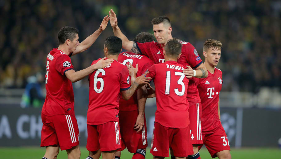 ATHENS, GREECE - OCTOBER 23:  Players of Bayern Muenchen celebrate the 2nd team goal  during the Group E match of the UEFA Champions League between AEK Athens and FC Bayern Muenchen at Athens Olympic Stadium on October 23, 2018 in Athens, Greece.  (Photo by Alexander Hassenstein/Bongarts/Getty Images)