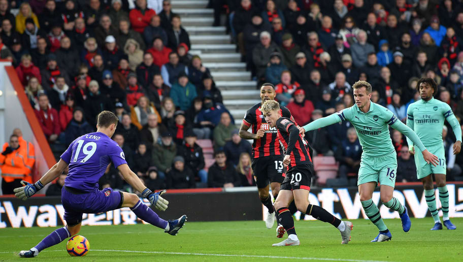 BOURNEMOUTH, ENGLAND - NOVEMBER 25:  David Brooks of AFC Bournemouth shoots during the Premier League match between AFC Bournemouth and Arsenal FC at Vitality Stadium on November 25, 2018 in Bournemouth, United Kingdom.  (Photo by Dan Mullan/Getty Images)