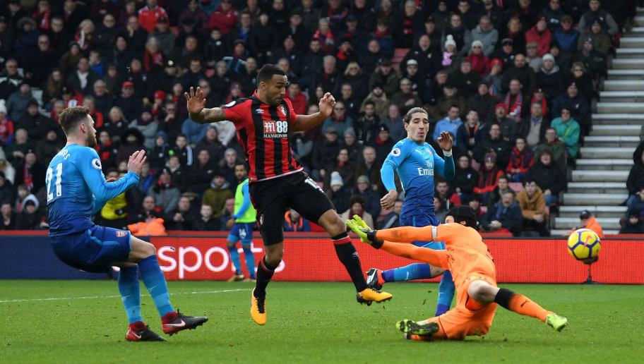 BOURNEMOUTH, ENGLAND - JANUARY 14:  Callum Wilson of AFC Bournemouth scores his sides first goal during the Premier League match between AFC Bournemouth and Arsenal at Vitality Stadium on January 14, 2018 in Bournemouth, England.  (Photo by Mike Hewitt/Getty Images)