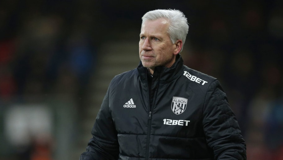 BOURNEMOUTH, ENGLAND - MARCH 17: Alan Pardew coach of West Bromwich Albion gestures during the Premier League match between AFC Bournemouth and West Bromwich Albion at Vitality Stadium on March 17, 2018 in Bournemouth, England. (Photo by Henry Browne/Getty Images)
