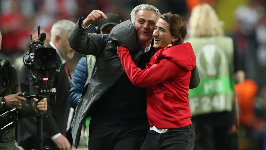 STOCKHOLM, SWEDEN - MAY 24: Manchester United manager Jose Mourinho celebrates with his son Jose Mourinho Jr during the UEFA Europa League Final match between Ajax and Manchester United at Friends Arena on May 24, 2017 in Stockholm, Sweden. (Photo by Ian MacNicol/Getty Images)