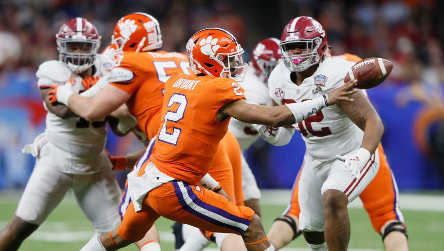 NEW ORLEANS, LA - JANUARY 01: Kelly Bryant #2 of the Clemson Tigers pitches the ball as Quinnen Williams #92 of the Alabama Crimson Tide defends in the second half of the AllState Sugar Bowl at the Mercedes-Benz Superdome on January 1, 2018 in New Orleans, Louisiana.  (Photo by Jamie Squire/Getty Images)