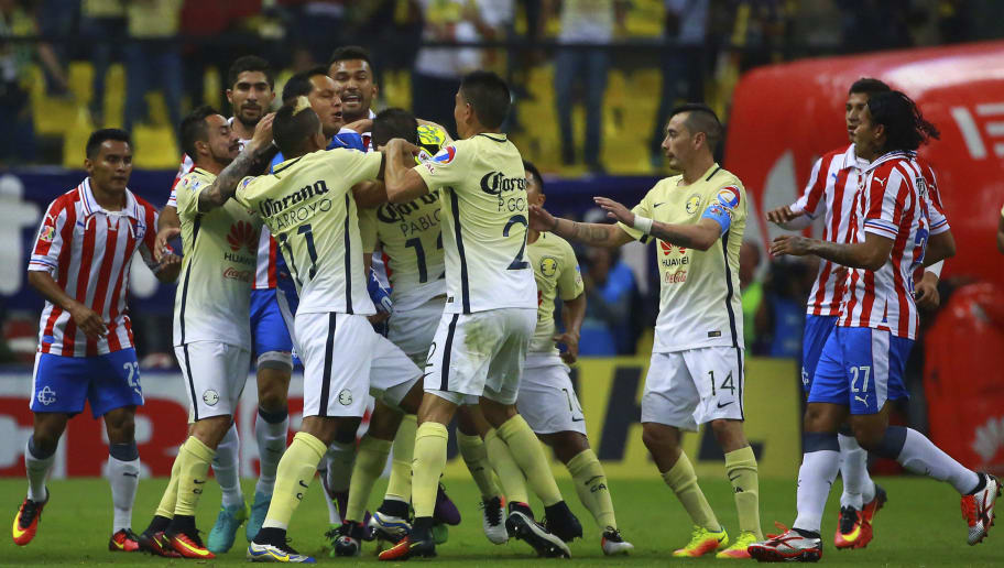America v Chivas - Torneo Apertura 2016 Liga MX