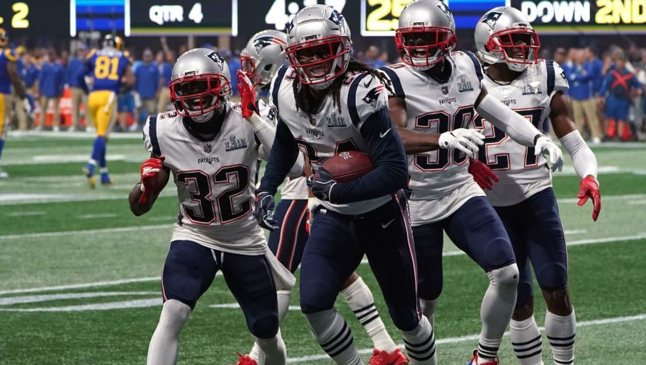 AMFOOT-NFL-SUPER-RAMS-PATRIOTS