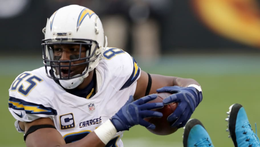 CHARLOTTE, NC - DECEMBER 11:  Antonio Gates #85 of the San Diego Chargers runs the ball against the Carolina Panthers in the 3rd quarter during their game at Bank of America Stadium on December 11, 2016 in Charlotte, North Carolina.  (Photo by Streeter Lecka/Getty Images)