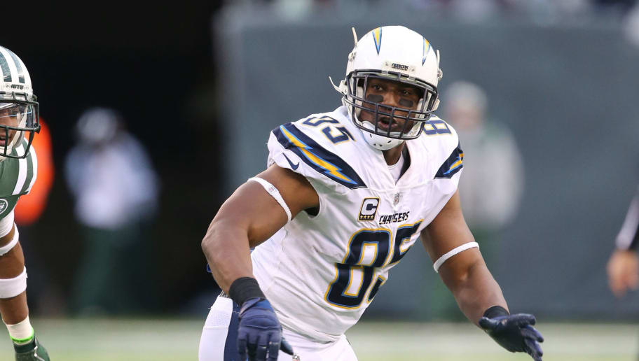 EAST RUTHERFORD, NJ - DECEMBER 24: Tight End Antonio Gates #85 of the Los Angeles Chargers in action against the New York Jets in an NFL game at MetLife Stadium on December 24, 2017 in East Rutherford, New Jersey. (Photo by Al Pereira/Getty Images)