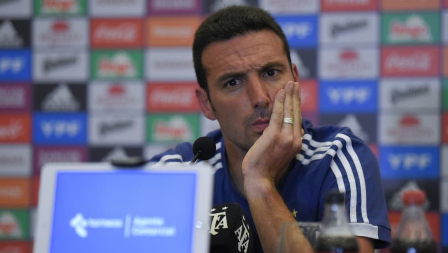 MENDOZA, ARGENTINA - NOVEMBER 19: Lionel Scaloni coach of Argentina gestures during a press conference after arriving to Diplomatic Hotel on November 19, 2018 in Mendoza, Argentina. Argentina will face Mexico on November 20th as part of a friendly match at Malvinas Argentinas Stadium. (Photo by Jam Media/Getty Images)