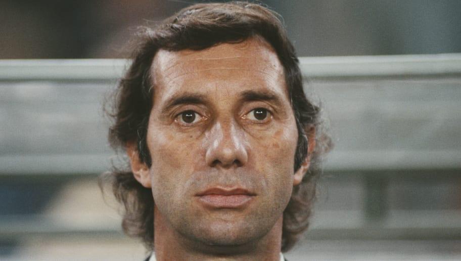 argentina-manager-carlos-bilardo-1984-5d338da43bba5eead7000001