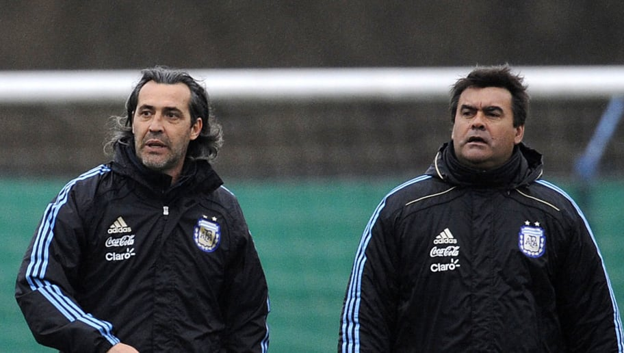 Argentina's coach Sergio Batista (L) and
