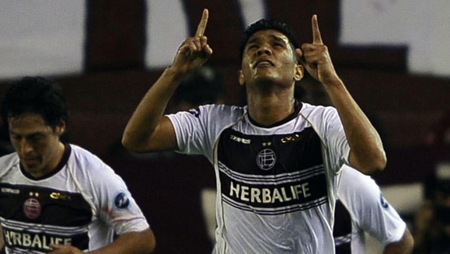 Argentina's Lanus forward Teofilo Gutier