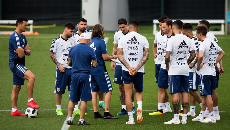 BARCELONA, SPAIN - JUNE 06:  Argentina players take part in a training session as part of the team preparation for FIFA World Cup Russia 2018 at FC Barcelona 'Joan Gamper' sports centre on June 6, 2018 in Barcelona, Spain.  (Photo by Alex Caparros/Getty Images)