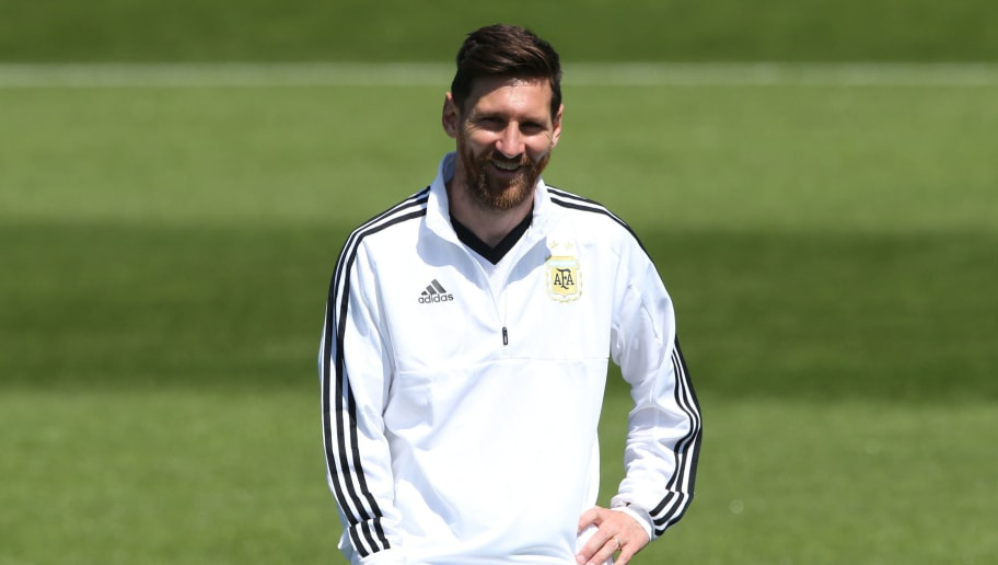 BRONNITSY, RUSSIA - JUNE 15: Lionel Messi of Argentina smiles prior the last training session before their first game of the FIFA World Cup 2018 at Bronnitsy Training Camp on June 15, 2018 in Bronnitsy, Russia. (Photo by Gabriel Rossi/Getty Images)