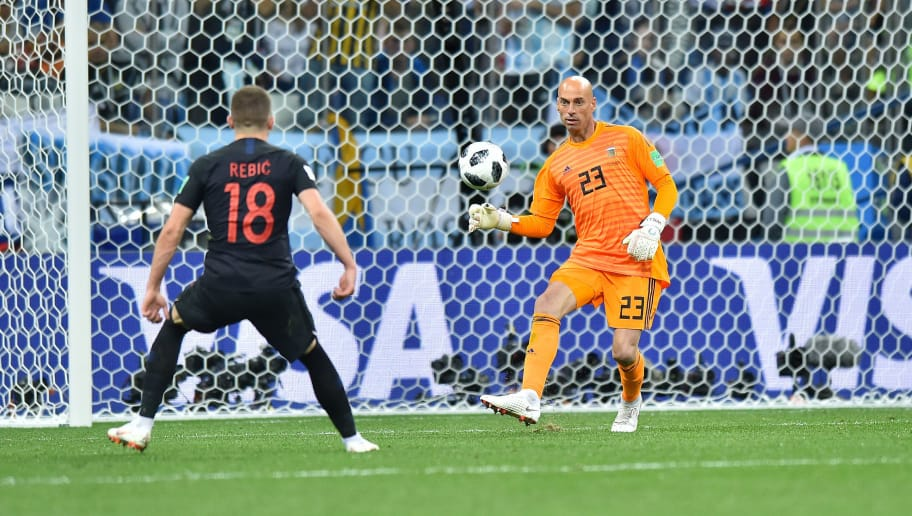 NIZHNIY NOVGOROD, RUSSIA - JUNE 21: Wilfredo Caballero of Argentina lets Ante Rebic of Croatia score a goal during the 2018 FIFA World Cup Russia group D match between Argentina and Croatia at Nizhniy Novgorod Stadium on June 21, 2018 in Nizhniy Novgorod, Russia. (Photo by Lukasz Laskowski/PressFocus/MB Media/Getty Images)