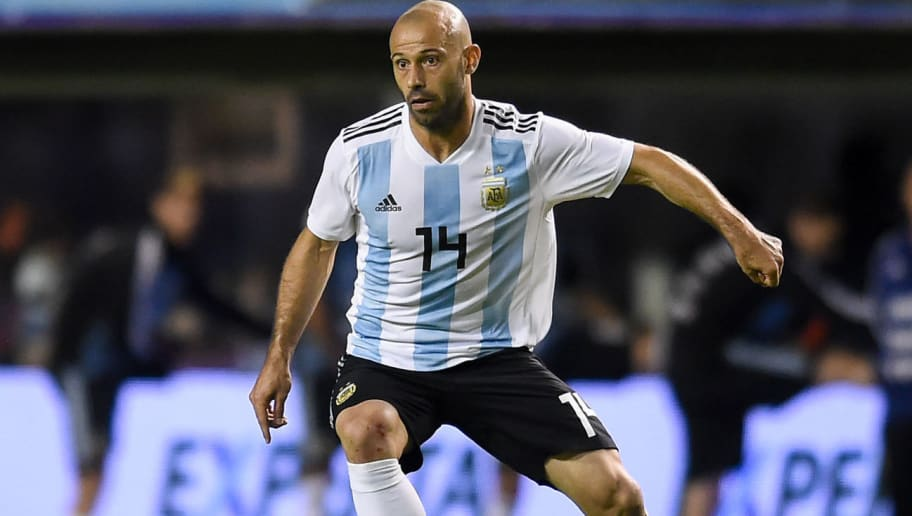 BUENOS AIRES, ARGENTINA - MAY 29: Javier Mascherano of Argentina drives the ball during an international friendly match between Argentina and Haiti at Alberto J. Armando Stadium on May 29, 2018 in Buenos Aires, Argentina. (Photo by Marcelo Endelli/Getty Images)