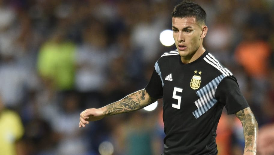 MENDOZA, ARGENTINA - NOVEMBER 20: Leandro Paredes of Argentina controls the ball during a friendly match between Argentina and Mexico at Malvinas Argentinas Stadium on November 20, 2018 in Mendoza, Argentina. (Photo by Jam Media/Getty Images)