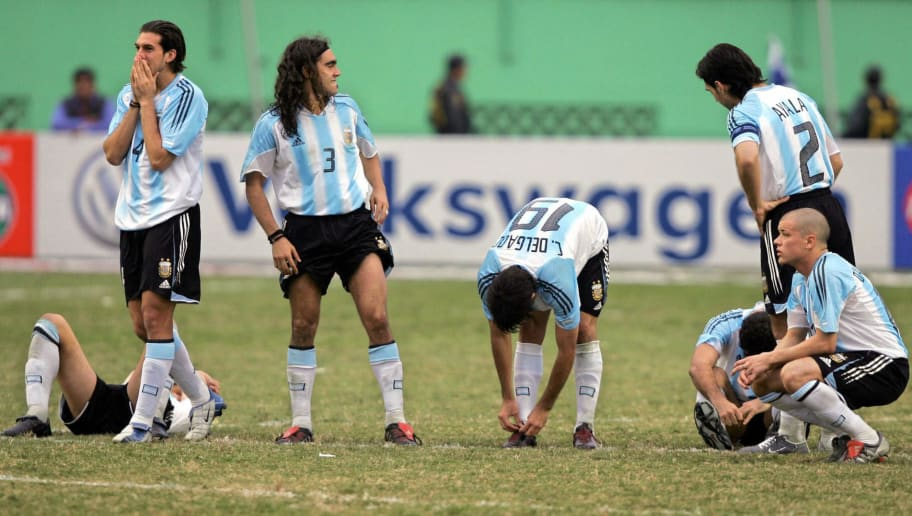 Argentine players show their disappointm