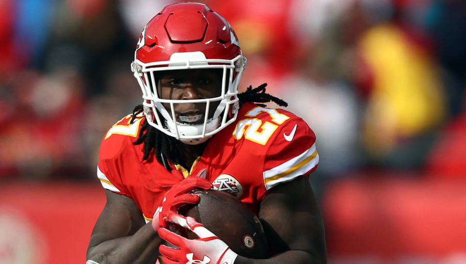 KANSAS CITY, MISSOURI - NOVEMBER 11:  Kareem Hunt #27 of the Kansas City Chiefs carries the ball during the game against the Arizona Cardinals at Arrowhead Stadium on November 11, 2018 in Kansas City, Missouri. (Photo by Jamie Squire/Getty Images)