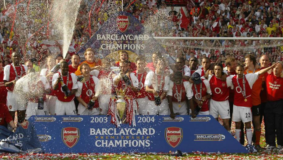 Arsenal celebrates winning the Premiersh