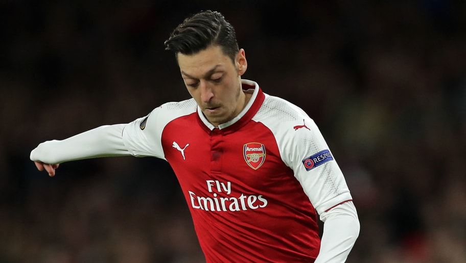 LONDON, ENGLAND - APRIL 26: Mesut Ozil of Arsenal in action during the UEFA Europa League Semi Final leg one match between Arsenal FC and Atletico Madrid at Emirates Stadium on April 26, 2018 in London, United Kingdom. (Photo by Richard Heathcote/Getty Images)