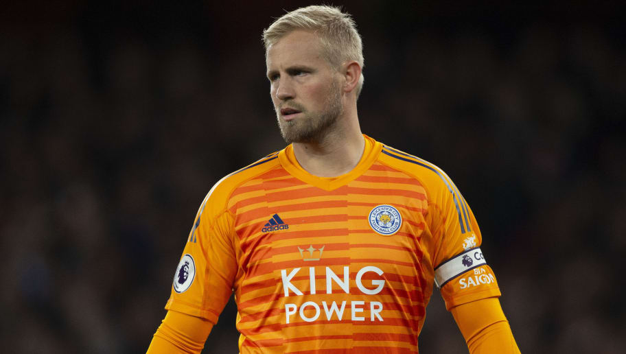 LONDON, ENGLAND - OCTOBER 22: Kasper Schmeichel of Leicester City during the Premier League match between Arsenal FC and Leicester City at the Emirates Stadium on October 22, 2018 in London, United Kingdom. (Photo by Visionhaus/Getty Images)