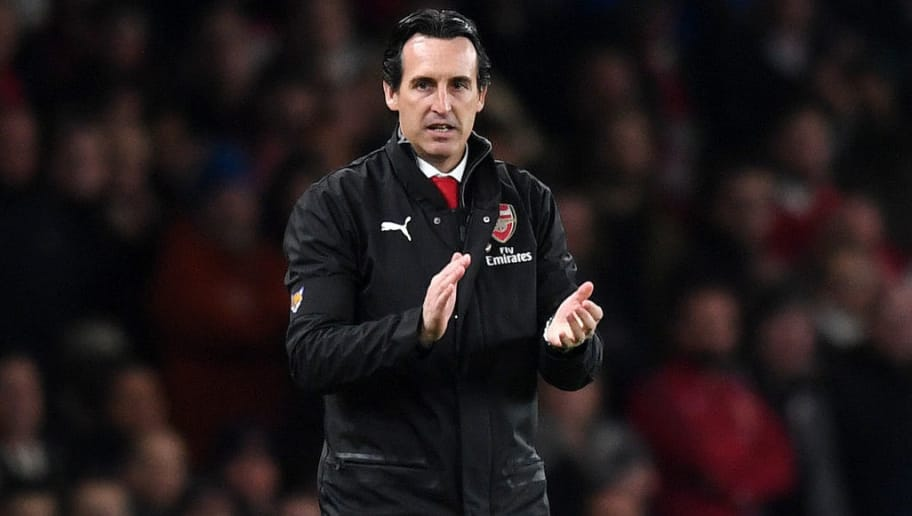 LONDON, ENGLAND - NOVEMBER 03:  Unai Emery, Manager of Arsenal looks on during the Premier League match between Arsenal FC and Liverpool FC at Emirates Stadium on November 3, 2018 in London, United Kingdom.  (Photo by Michael Regan/Getty Images)