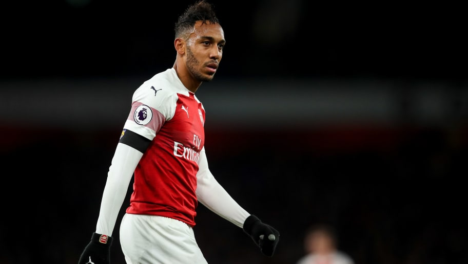 LONDON, ENGLAND - NOVEMBER 03: Pierre-Emerick Aubameyang of Arsenal during the Premier League match between Arsenal FC and Liverpool FC at Emirates Stadium on November 3, 2018 in London, United Kingdom. (Photo by Robbie Jay Barratt - AMA/Getty Images)