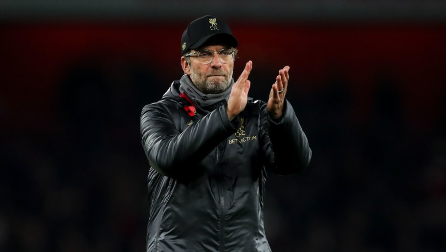 LONDON, ENGLAND - NOVEMBER 03: Jurgen Klopp manager / head coach of Liverpool applauds the fans at full time during the Premier League match between Arsenal FC and Liverpool FC at Emirates Stadium on November 3, 2018 in London, United Kingdom. (Photo by Robbie Jay Barratt - AMA/Getty Images)