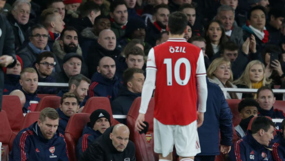Freddie Ljungberg Admits He Wanted to Drop Mesut Özil for 'Unacceptable' Reaction to Substitution