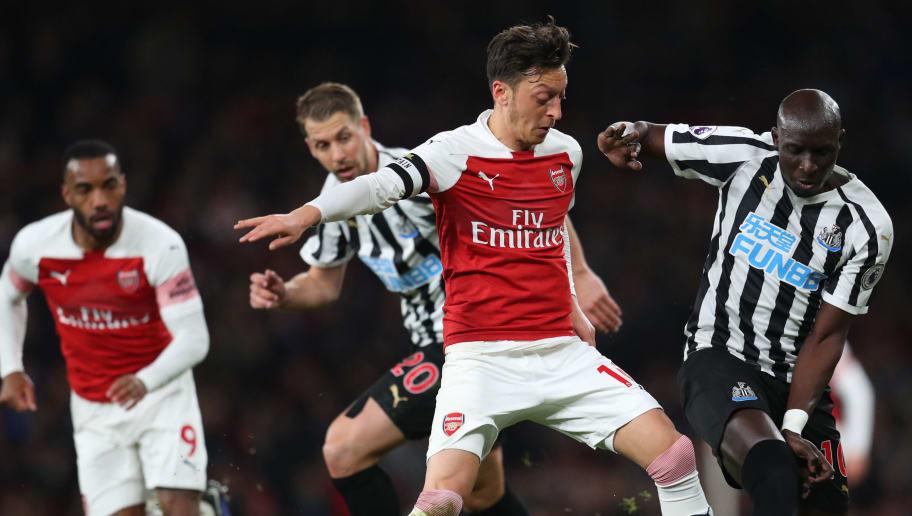 Mesut Ozil,Mohamed Diame