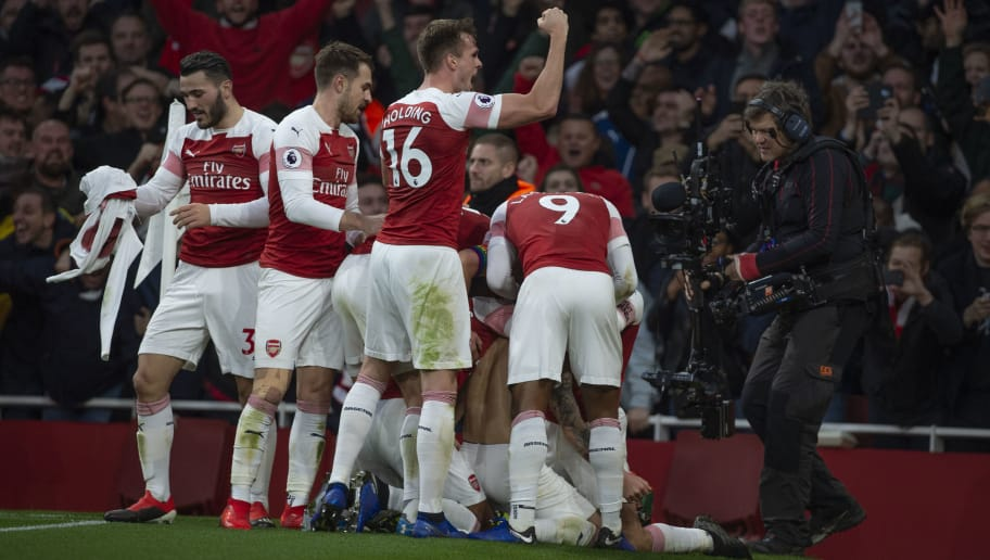 1ce6d43ca Arsenal Legend Ian Wright Names the 2 Gunners Stars Club Can t ...