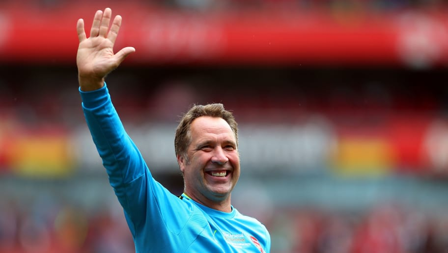 LONDON, ENGLAND - SEPTEMBER 03: David Seaman of Arsenal Legends during the Arsenal Foundation Charity match between Arsenal Legends and Milan Glorie at Emirates Stadium on September 3, 2016 in London, England. (Photo by Catherine Ivill - AMA/Getty Images)