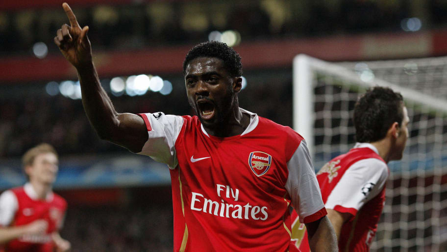 Arsenal's Kolo Toure (C) celebrates afte