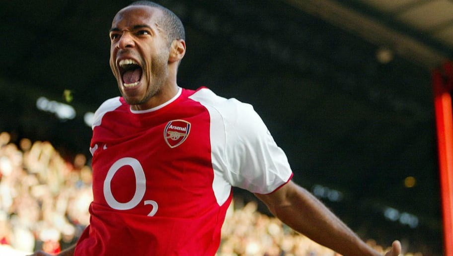 LONDON, UNITED KINGDOM:  Arsenal's Thierry Henry celebrates after scoring a goal late in the second half against Chelsea at Highbury Stadium in London 18 October 2003 during their Premiership match. Arsenal beat Chelsea 2-1 after a game winning goal by Thierry Henry in the second half of play.           AFP PHOTO/Jim WATSON  (Photo credit should read JIM WATSON/AFP/Getty Images)